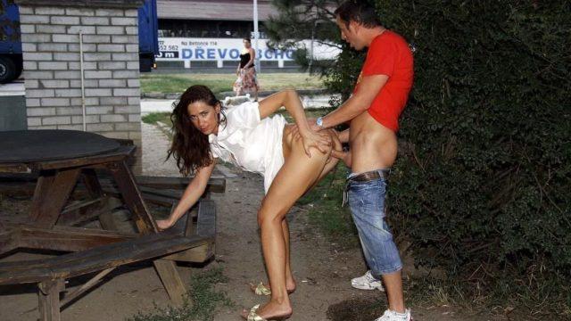 Порно на улице
